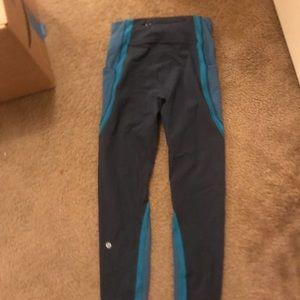 Never worn lululemon leggings